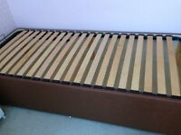 OTTAMAN SINGLE BED