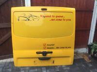 Tailgate doors vivaro van