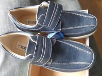 Blue leisure shoes - size 8