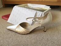 Satin Wedding / Bridal Shoes (size UK8)