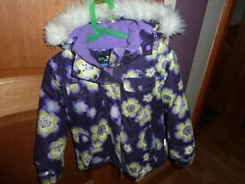 Girls Trespass flowery jacket. Good Condition. Age 3-4