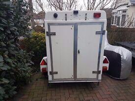 Sbs 720 box trailer