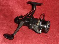 vintage . SILSTAR CX 41 Graphite Ball Bearing Fishing Reel And box id590