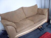 3 SEATER AND 2 SEATER COUCHES IN GOOD CONDITIONS ONLY £120 CAN DELIVER