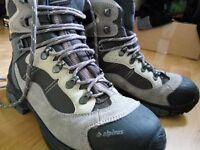 Vibram Alpinus Hiking Shoes Womens 41 7.5 waterproof