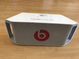 Beats by DrDre, beatbox portable.