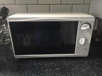 Tesco 700w microwave oven