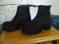 black chunky heel ankle boot size 4 (37)