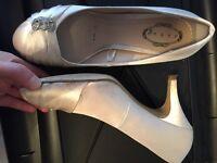 Women's light gold heels size 5