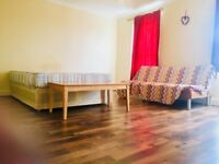 VERY LARGE DOUBLE ROOM! COUPLES WELCOME! FULLY FURNISHED! UPTON LANE! FOREST GATE STATION