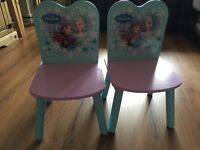 2 Bedside tables n 2 chairs