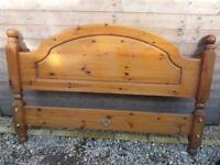 Farmhouse bed frame king size
