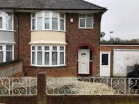 LARGE & SPACIOUS 3 BEDROOM HOUSE LOCATED ON HEWLETT ROAD IN LUTON