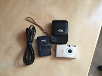 Canon IXUS 70 compact digital camera