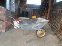 Gardener's Lightweight Strong Galvanized Steel Wheelbarrow with Solid Rubber Tyre