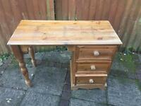 Dressing table ideal for upcycle