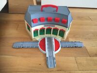 Thomas the tank engine Tidmouth Sheds take n play set, excellent
