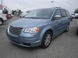 2010 Chrysler Town & Country Touring | Backup Cam | DVD x2