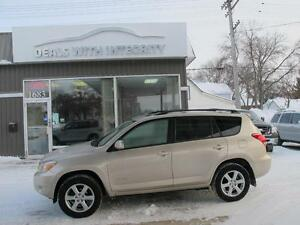 2008 Toyota Rav4 Limited 4cyl SUV only 155,000 k  SALE  $10800