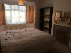 ***Fabulous spacious single Room(with double bed), Full Furnished, All Bills Inc.-Wifi***