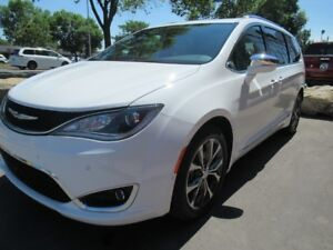 2017 Chrysler Pacifica Limited*FULLY LOADED!