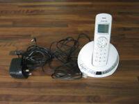 Cordless phone set with integrated answer machine. Landline