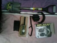 Metal detector outfit pinpointer,2ft shovel,headphones all new/unused