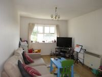 Bright and Airy 2 Bedroom Flat Located in Belmont!!!!