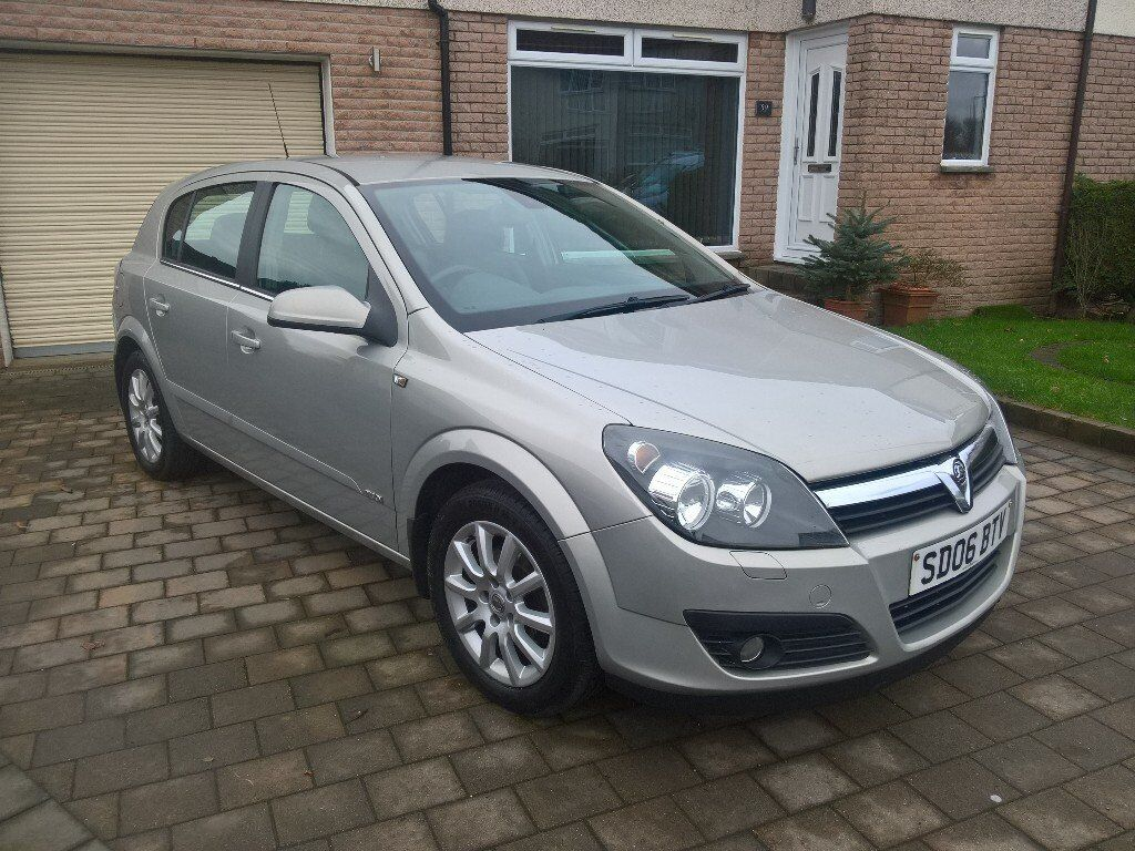 VAUXHALL ASTRA 1.8 DESIGN 16V. Automatic, Full service history. Immaculate condition.