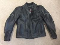 MENS IXS DISCOVERY LEATHER MOTORBIKE JACKET & DETACHABLE THERMAL VEST