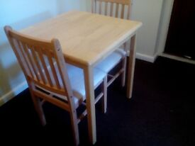 Table and chairs for 2