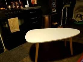 Retro look kidney coffee table