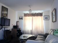 Large Double Room For £275/Month Including Bills**Near To Shops & Bus Stops
