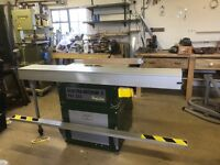 Sliding table saw bench - large capacity