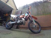 KTM EXC 200 Motorbike