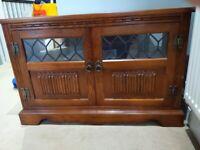Old charm TV corner unit