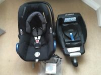 Maxi Cosi Cabriofix car seat group 0 (birth-13kg) black raven with Easyfix base and rain cover used