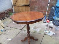HALLWAY TABLE IN VERY GOOD CONDITION OLD STYLE CAN DELIVER