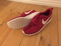 Men's size 8 Brand New NIKE trainers