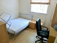 Large 3 bedroom flat in Barkingside avaialble now