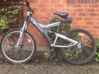 Adult Shockwave XT900 Mountain Bike