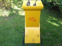 Garden shredder and chipper electric. ALKO Dynamic 1600
