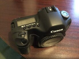 Canon Eos 5D Mk1 Full Frame SLR Digital Camera. Mint and boxed with usual accessories. Lightly used.