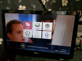 "LG 22"" LED TV MONITOR FREEVIEW"