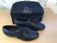 Tap dancing shoes size 5 adult