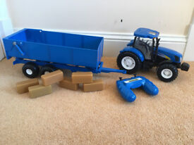 New Holland Tractor Trailer and 6 Hay Bales - Garden Toy /Truck