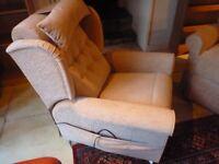 Windsor Petite riser / recliner chair
