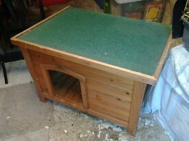 Wooden Bunker for large Rabbit / Small Dog / introverted Cat