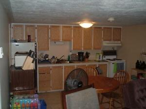 Attention Students, Centrally Located 2 Bedroom $650 Sept. 1