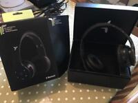 IT7X Wireless headphones.